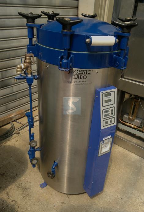 Autoclave vertical SMI AVX 60 E