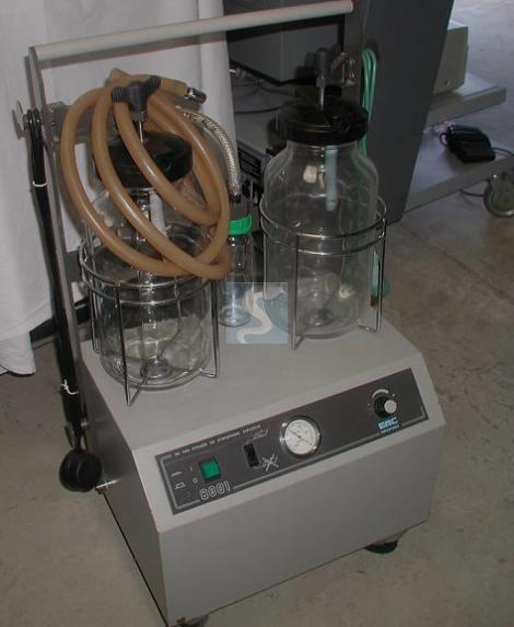 ASPIRATEUR CHIRURGICAL EMC 8001