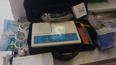 Electrocardiographe SCHILLER AT1